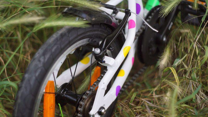"""14"""" kolesá sú najmenším rozmerom pre detské bicykle so správnym posedom"""