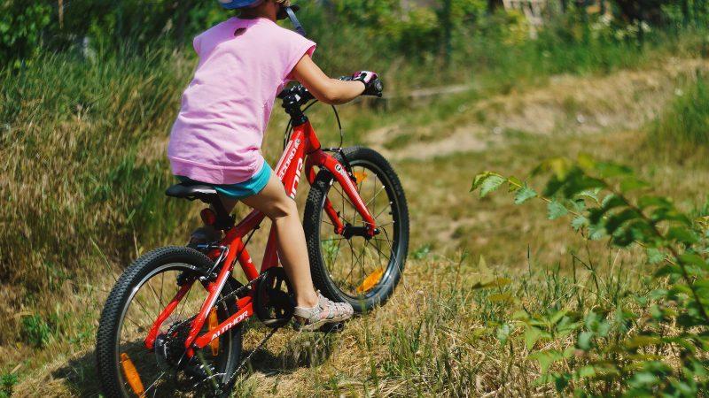 modelka má 64 mesiacov a bicykel 2o palcové kolesá.